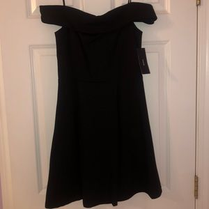 NWT Lulus strapless off the shoulder dress